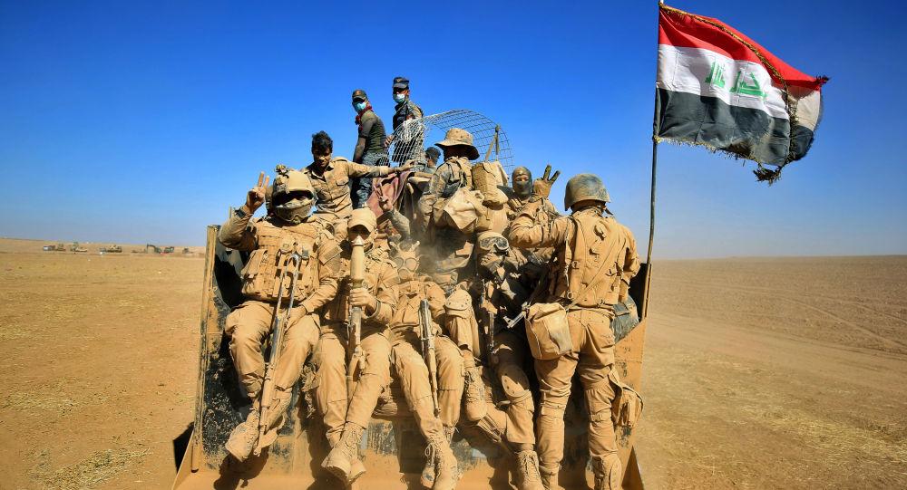 """العراق يدمر مخابئ سرية لـ""""داعش"""" على الحدود مع الأردن والسعودية"""