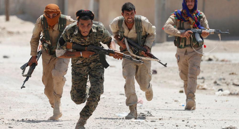"""""""حماية الشعب الكردية"""": القوات التركية تحاول اقتحام عفرين"""