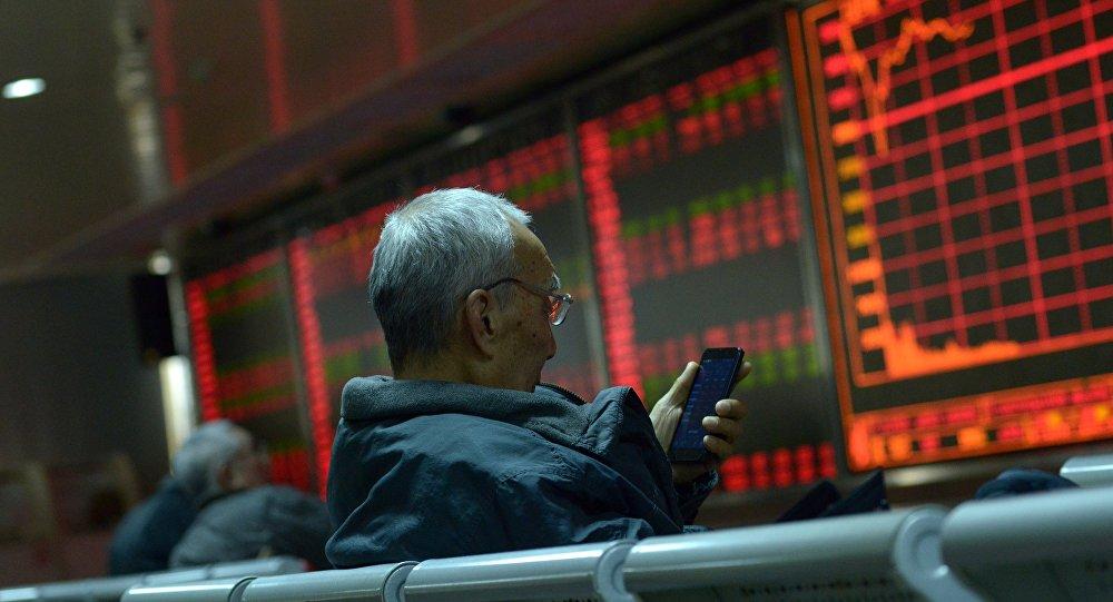إجراءان في أمريكا يؤثران سلبا على معنويات المستثمرين في اليابان