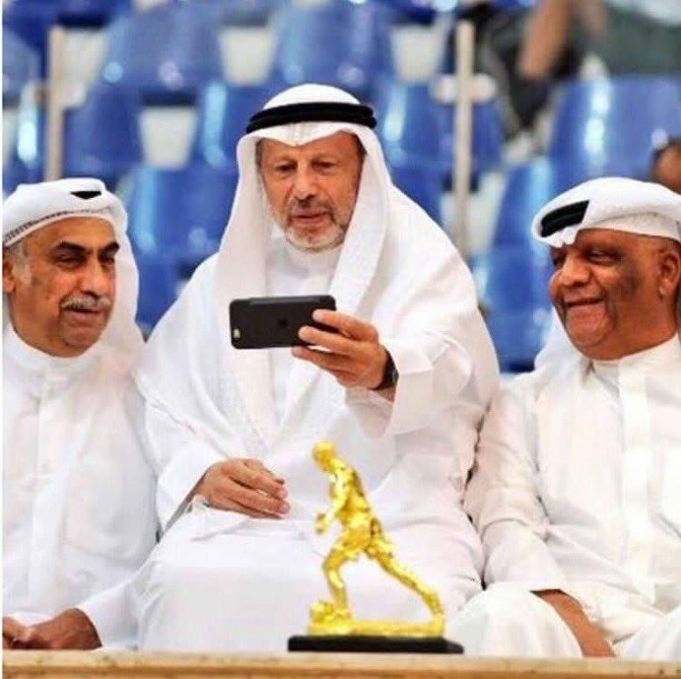 عبدالله العجمي يكتب : سيلفي الاساطير !