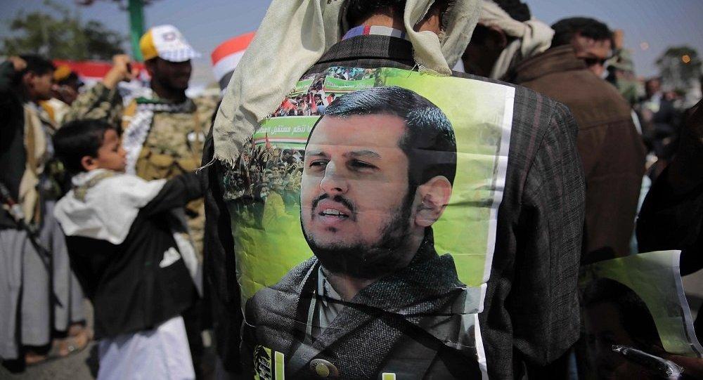 عبد الملك الحوثي يرد على بن سلمان ويؤكد اعتقال هادي بالرياض