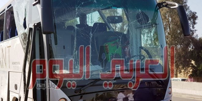 انفجار يؤدي إلى تهشم زجاج حافلة سياحية قرب أهرامات الجيزة