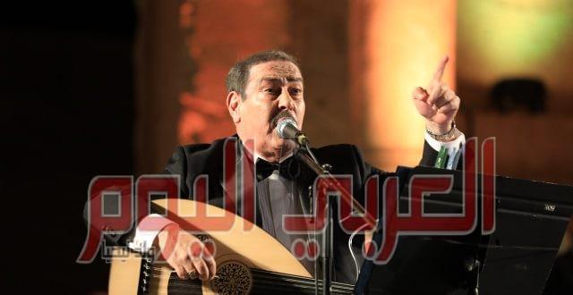 لطفي بوشناق يغني للوطن والإنسان والكرامة في مهرجان جرش للثقافة والفنون