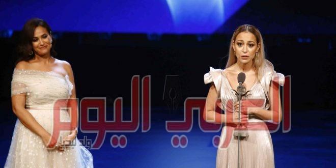 الفائزة بفاتن حمامة في ٢٠١٧ هند صبري تتألق في افتتاح القاهرة وتسلم جائزة فاتن حمامة٢٠١٩ لمنة شلبي