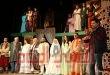 """""""قواعد العشق ٤٠"""" تجذب الجمهور على مسرح السلام"""