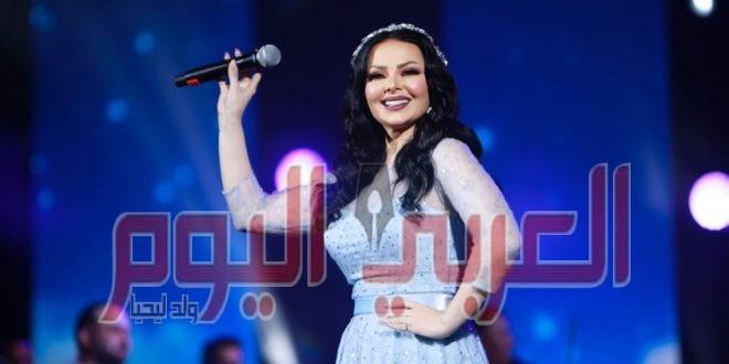 ديانا كرزون تغني لعبد الحليم حافظ في مهرجان الفجيرة الدولي للفنون