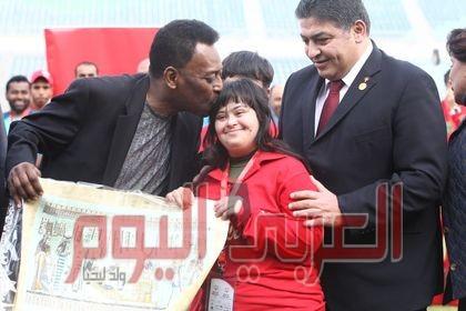 لاعبو الاولمبياد الخاص يهنئون سفيرهم العالمى الجوهرة السمراء بيليه بعيد ميلاده الثمانون