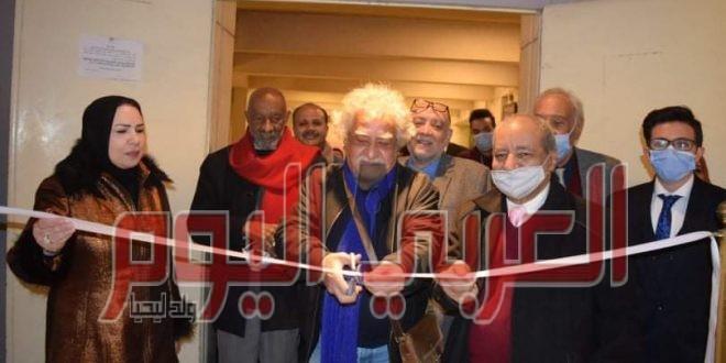 """الفنانين والجمهور يحتفلون بالفنان سعيد بدوي في افتتاح معرضه """"فضفضة من ذهب"""""""