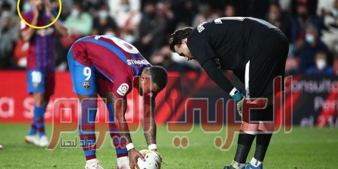 """""""خليفة"""" ميسي يهدر ضربة جزاء ومعها فرصة إنقاذ برشلونة"""